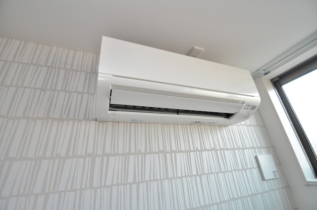 E maison 巽東 エアコンが最初からついているなんて、本当に助かりますね。