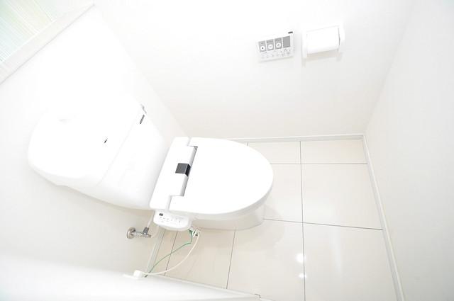ヴェルテックス 清潔感のある爽やかなトイレ。誰もがリラックスできる空間です。