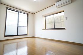 https://image.rentersnet.jp/afce073c-7372-472b-b5b3-c493d68b31a6_property_picture_956_large.jpg_cap_居室