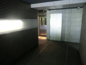 北新横浜駅 徒歩16分エントランス
