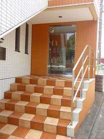 桜木町駅 徒歩10分エントランス