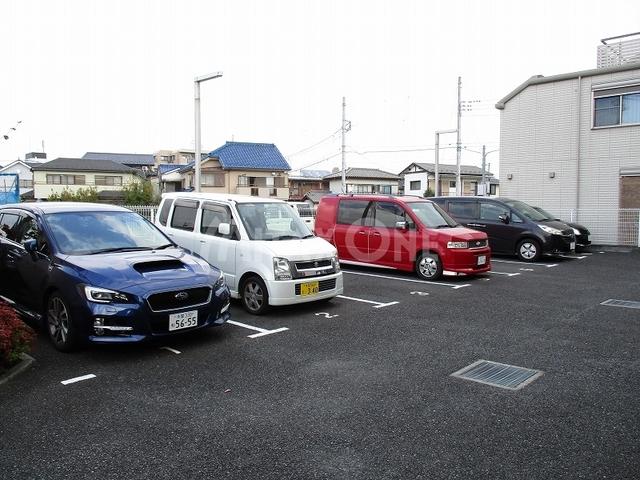 ヴェルドミールワン(ヴェルドミール1)駐車場