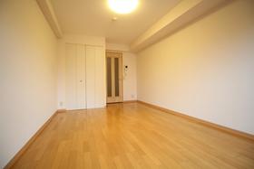 https://image.rentersnet.jp/b19e8add-2b7e-4d1b-b9fd-de6b4dbdf9df_property_picture_1992_large.jpg_cap_居室