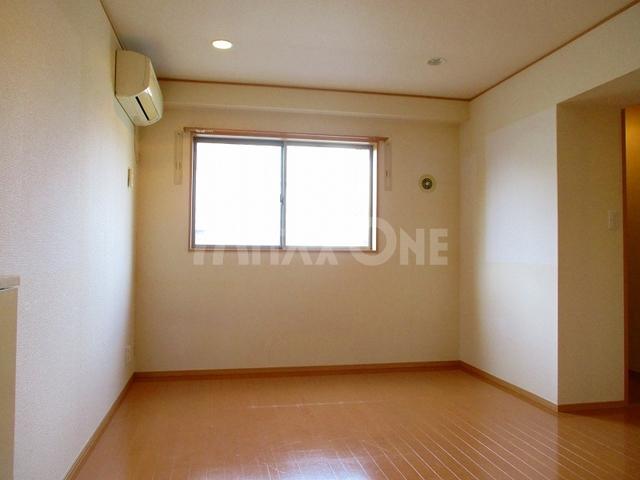 第一末広マンション居室