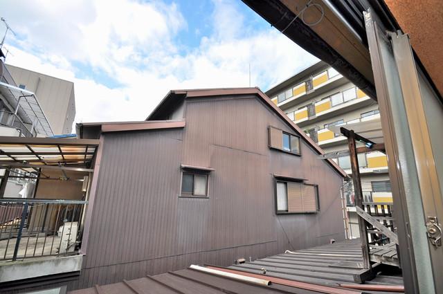 小路東2-3-9 貸家 やっぱり最上階からの眺めはいいです。陽当り、風通し共に良好。