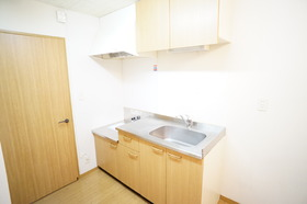 https://image.rentersnet.jp/b1b26001-34c1-4d04-819b-1c1dc3bade93_property_picture_956_large.jpg_cap_キッチン