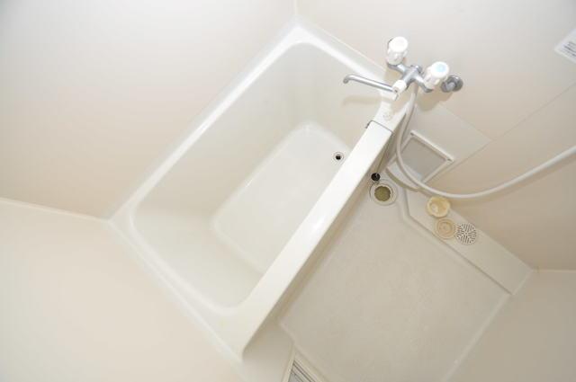 オズレジデンス長瀬 ちょうどいいサイズのお風呂です。お掃除も楽にできますよ。