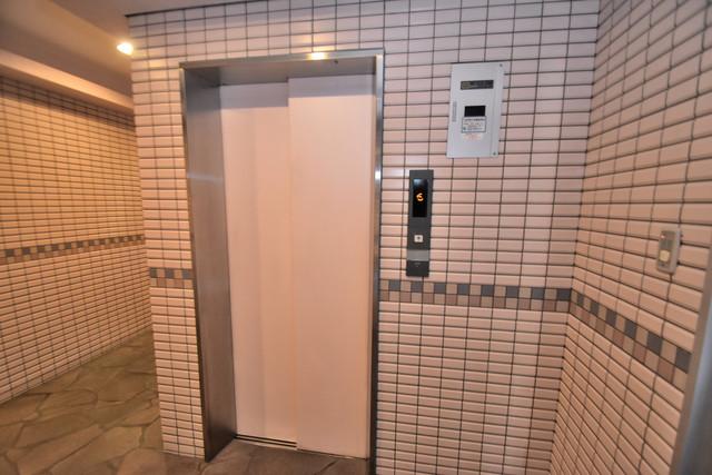 アベニューリップル長田Ⅱ 嬉しい事にエレベーターがあります。重い荷物を持っていても安心