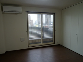 https://image.rentersnet.jp/b269ff32-ff0d-4361-b70b-feb79550374a_property_picture_2418_large.jpg_cap_居室