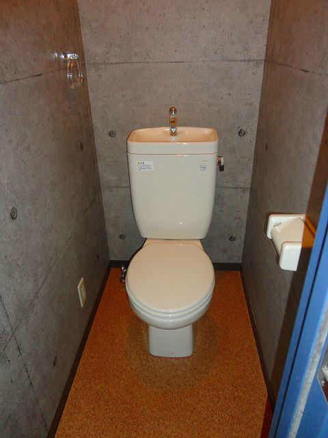 メゾンツルオカトイレ