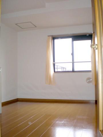 千歳船橋駅 徒歩4分居室