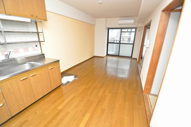 パレグリシーヌ 明るいお部屋はゆったりとしていて、心地よい空間です