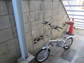 敷地内、自転車置くスペースあります!