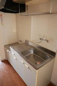 https://image.rentersnet.jp/b3303ab8-5cbc-4cc6-9de6-e8dd13015aa0_property_picture_2419_large.jpg_cap_キッチン