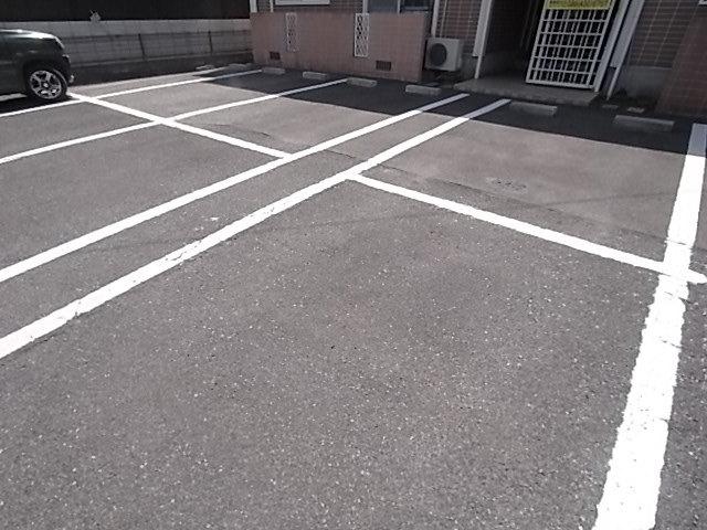 サンビレッジハニー A駐車場