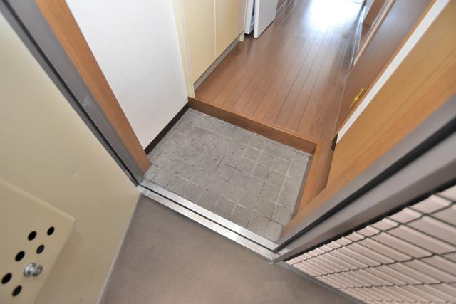 アベニューリップル長田Ⅱ 素敵な玄関は毎朝あなたを元気に送りだしてくれますよ。