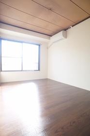 コープ鈴木 302号室