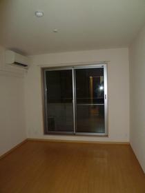 グラン ベルドール 302号室