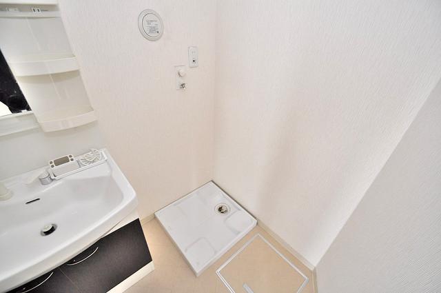 TSカーサテルッツオ 室内に洗濯機置き場があれば雨の日でも安心ですね。
