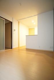 https://image.rentersnet.jp/b47db380-11db-4132-a429-7d50fe9f02de_property_picture_3276_large.jpg_cap_居室
