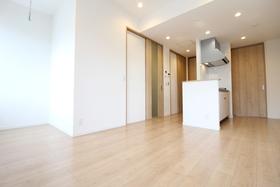 https://image.rentersnet.jp/b4a9447a-2c48-4823-84aa-e4218dc536cf_property_picture_958_large.jpg_cap_居室