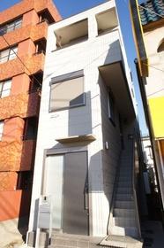 戸建て感覚のメゾネットタイプ1LDKアパートです!