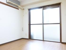 大窓が設備されている洋室です♪