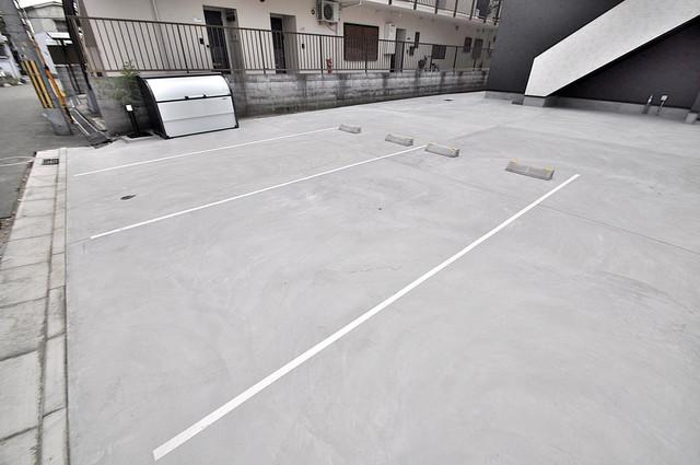 Purosupere弥栄 敷地内にある駐車場。愛車が目の届く所に置けると安心ですよね。