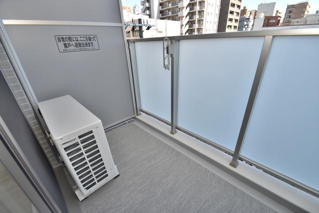 レジュールアッシュOSAKA今里駅前 心地よい風が吹くバルコニー。洗濯物もよく乾きそうです。