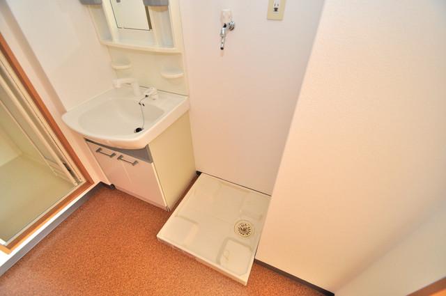 ラ・フォンテ今里 室内に洗濯機置き場があれば雨の日でも安心ですね。