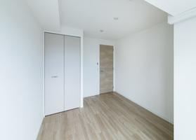 https://image.rentersnet.jp/b666bef5-457b-42d1-93ba-38e727a0f4c9_property_picture_2418_large.jpg_cap_居室