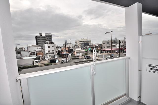 グランマーレ小路駅前 バルコニーは眺めが良く、風通しも良い。癒される空間ですね。