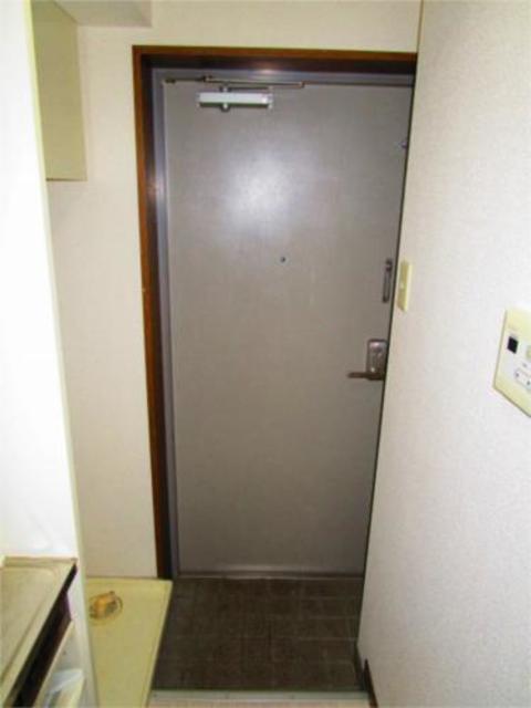 キャトルセゾン橋本8玄関