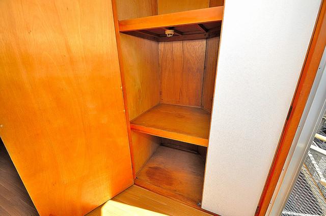 エルドムス陽光一番館 大容量のクローゼットは荷物が多い方も安心ですよ。