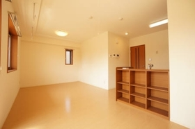 https://image.rentersnet.jp/b730e66c-18f0-44d8-9c02-55a93f7c08fa_property_picture_958_large.jpg_cap_居室