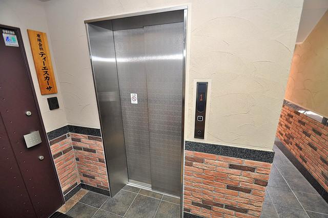 TSカーサテルッツオ 嬉しい事にエレベーターがあります。重い荷物を持っていても安心