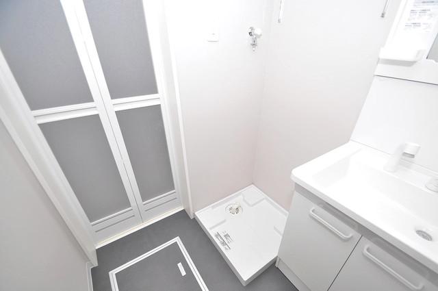 アネシス小路 嬉しい室内洗濯機置場。これで洗濯機も長持ちしますね。