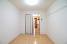 Iz�U 100号室
