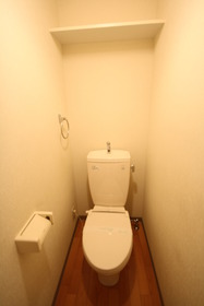 https://image.rentersnet.jp/b80976e1-2fc8-4c83-bd63-fc7c48b961fd_property_picture_2988_large.jpg_cap_トイレ