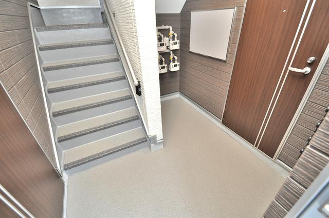 スイートメゾン この階段を登った先にあなたの新生活が待っていますよ。