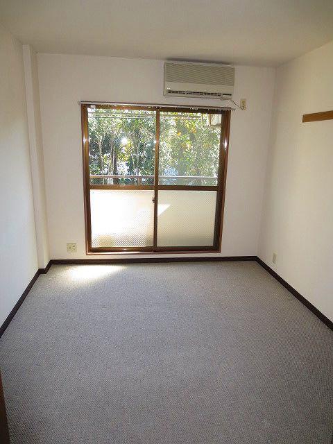 ヴィラロイヤル妙蓮寺居室