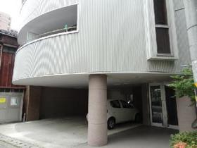 https://image.rentersnet.jp/b949fb6a-4a65-4cbc-a654-df69cbb47033_property_picture_1992_large.jpg_cap_エントランス