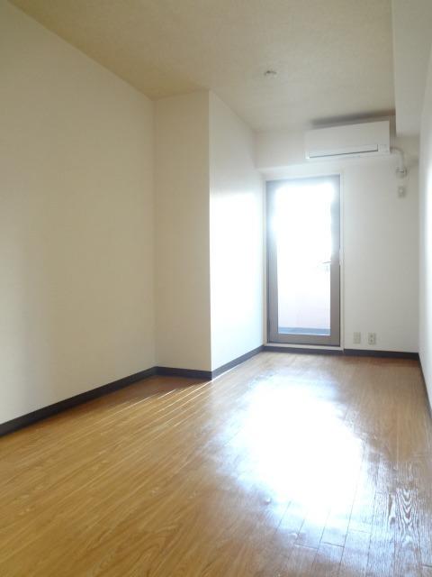 プライム横浜居室