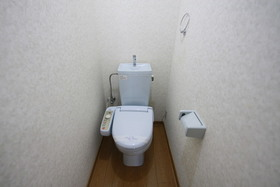 https://image.rentersnet.jp/b9afa44b-b501-49e4-94bb-dfc8753020d4_property_picture_958_large.jpg_cap_トイレ