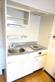 https://image.rentersnet.jp/b9cc34d0-904c-4086-8738-e60d70b6333b_property_picture_2418_large.jpg_cap_キッチン