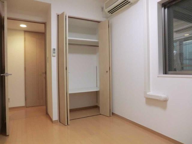 新宿駅 徒歩7分居室