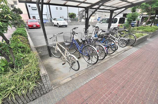 サンビレッジ・なかもり こちらに自転車おけます。