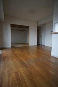 https://image.rentersnet.jp/ba52fcb0-07e7-4432-9691-44b0deaf01ad_property_picture_1800_large.jpg_cap_リビング