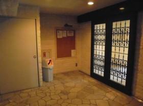 椎名町駅 徒歩9分エントランス