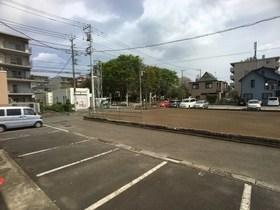 ルミエールKⅡ駐車場